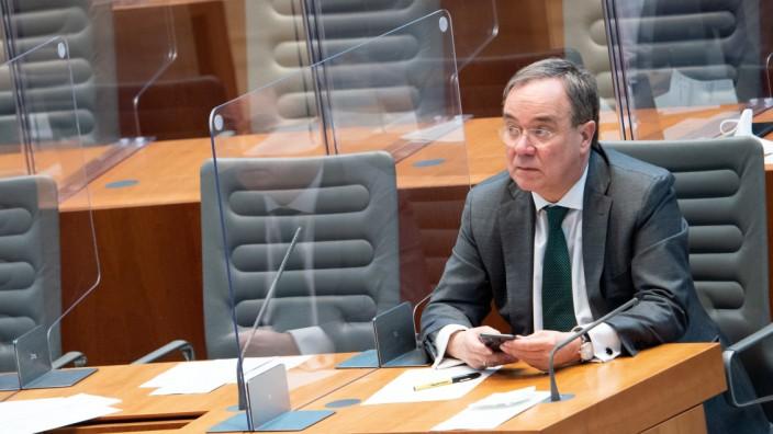 Noch sitzt Armin Laschet auf der Regierungsbank in Düsseldorf. Nach der Bundestagswahl im September will er auf jeden Fall in Berlin bleiben.