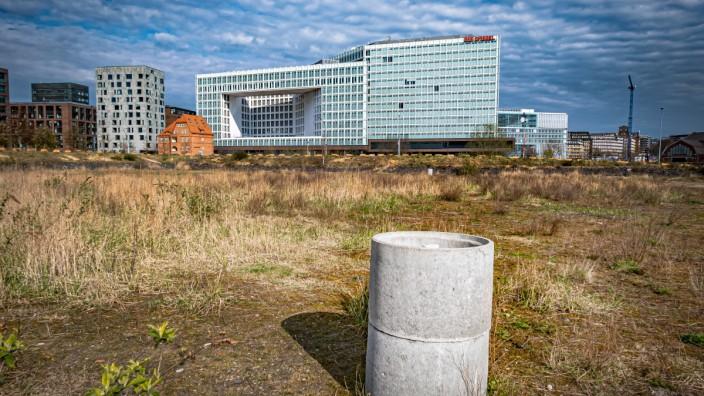 Hamburg, HafenCity: Verlag DER SPIEGEL, Ericusspitze vom Lohsepark betrachtet, Grundstück der neuen Zentrale von G&J Gru