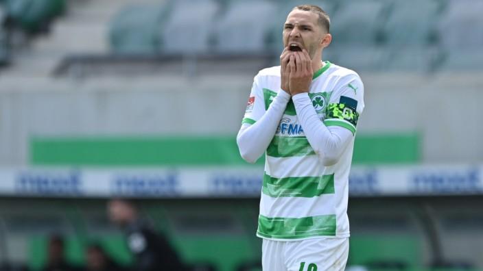SpVgg Greuther Fürth v Karlsruher SC - Second Bundesliga