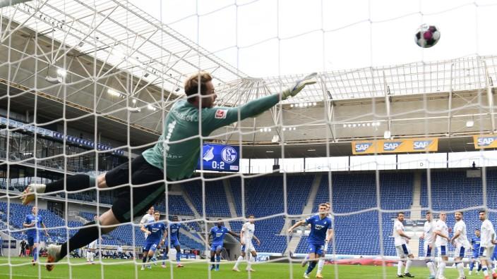 08.05.2021, xmeix, 1.Fussball Bundesliga,TSG 1899 Hoffenheim - FC Schalke 04, emspor. v.l.n.r, der Anschlusstreffer zu