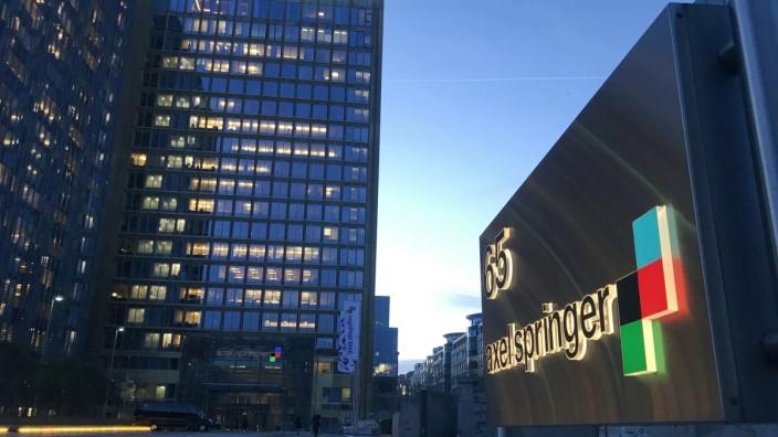 Bürogebäude der Axel Springer SE in Berlin 12 02 2019 *** Axel Springer SE office building in Berli