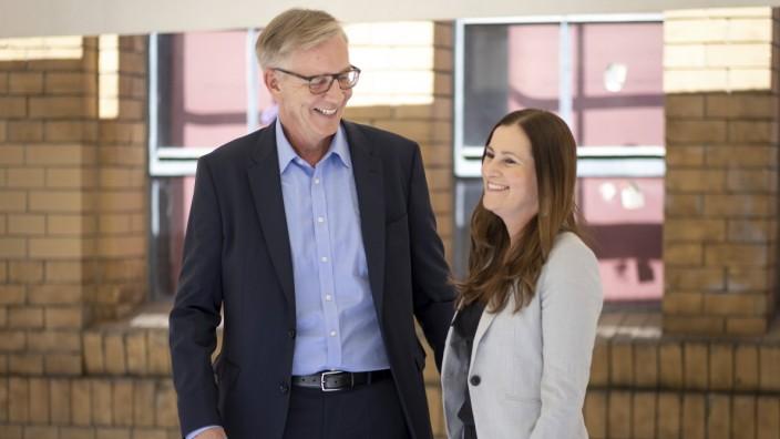 Co-Parteichefin Janine Wissler und Fraktionschef Dietmar Bartsch sind die Spitzenkandidaten der Partei - Die Linke - fue