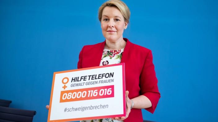 Jahresbericht des Hilfetelefons 'Gewalt gegen Frauen'