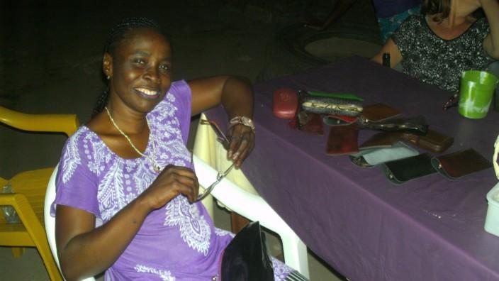 Brillenübergabe Verein Help Liberia