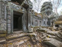 abandoned temple at the ancient ruins of Angkor Wat Krong Siem Reap, Siem Reap Province, Cambodia PUBLICATIONxINxGERxSUI