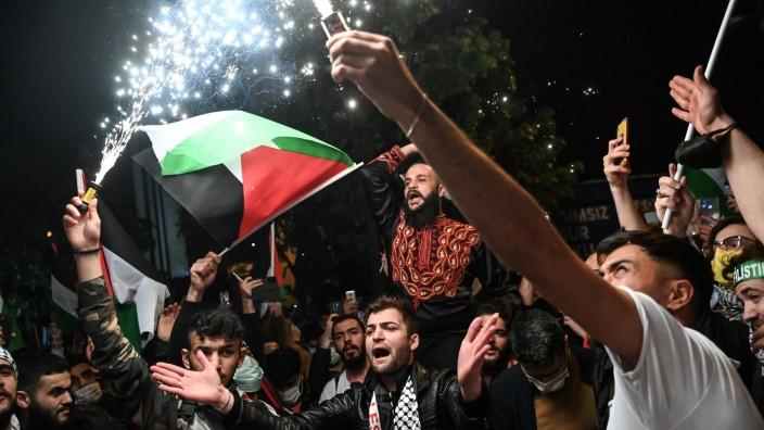 Nahostkonflikt: Tausende demonstrierten in der Türkei gegen Israel, hier eine Szene aus Istanbul.