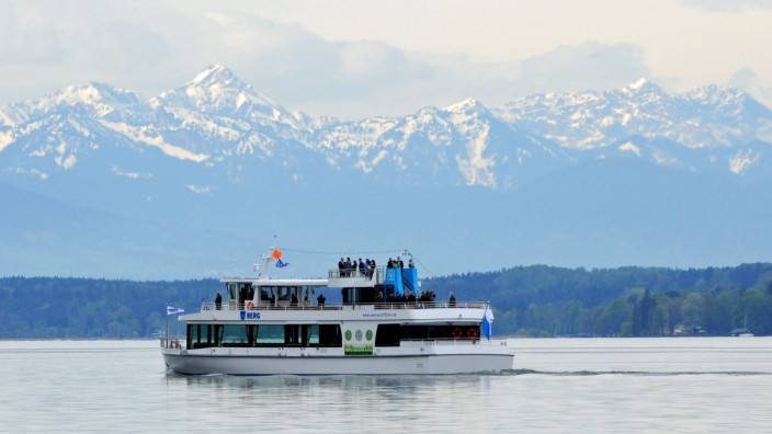 Neues Elektroschiff 'Berg' der Bayerischen Seenschifffahrt