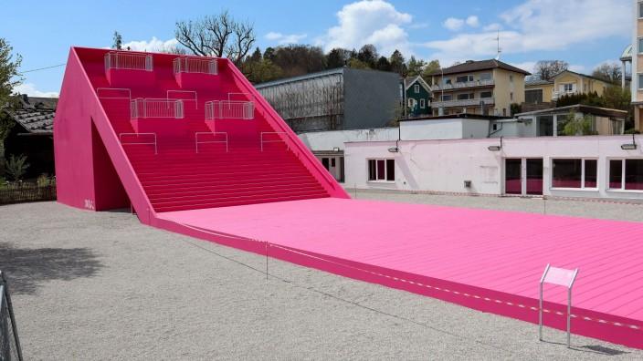 Tutzing, Deutschland 03. Mai 2021: Künstler Andreas Sarow hat in Tutzing im Landkreis Starnberg in Oberbayern eine neue