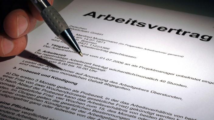 Befristeter Arbeitsvertrag: Binnen drei Wochen nach Ende klagen
