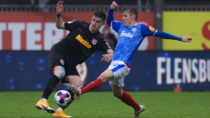 Holstein Kiel v SSV Jahn Regensburg - Second Bundesliga