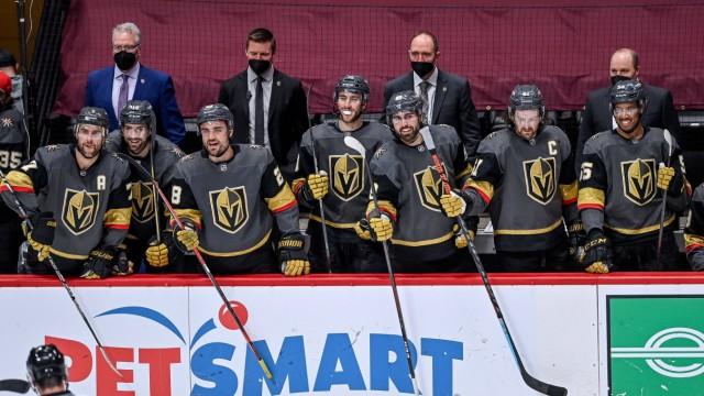 DENVER, CO - FEBRUARY 22: The Vegas Golden Knights bench, defenseman Alex Pietrangelo (7), defenseman Nicolas Hague (14); Eishockey
