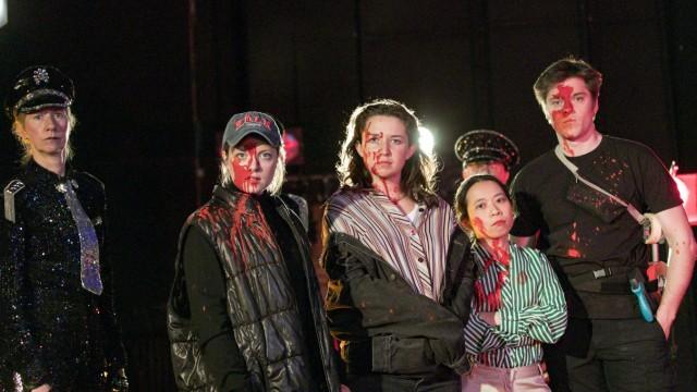 Die Inszenierung von Marius Schoetz  Sisyphos âĦ findet aufgrund der Corona Pandemie nicht auf der Buehne der Volksbuehne statt, sondern als Film. Proben und Dreh in Rummelsburg im April 2021.