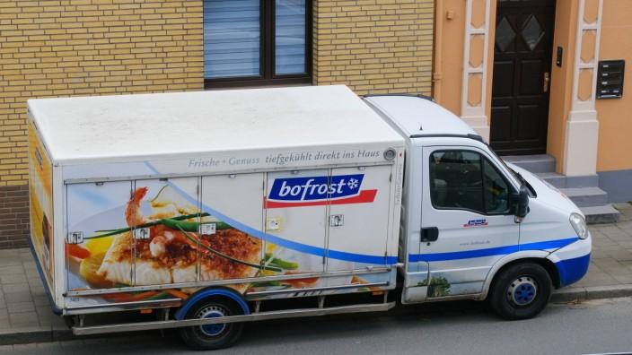 Düsseldorf 12.05.2021 Bofrost Tiefkühlkost Lieferdienst Lieferwagen Düsseldorf Nordrhein-Westfalen Deutschland *** Düss