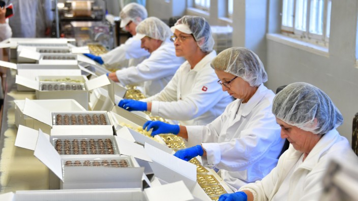Thüringens Ministerpräsident besucht Schokoladenfabrik