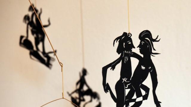 Ausstellung: Sebastian Pöllmann setzt das Kamasutra spielerisch in Szene.