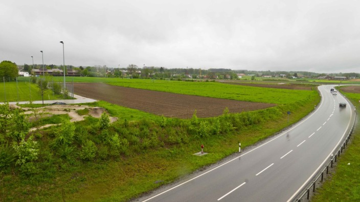 Gewerbegebiet in Grafing: Im Osten von Grafing würden sich die örtlichen Vertreter der FDP ein neues Gewerbegebiet wünschen. Damit könnte die Stadt ihren Rückstand bei den Gewerbesteuereinnahmen verkürzen - und alteingesessenen Betrieben eine Perspektive bieten. Gegen die Pläne dürfte sich allerdings auch Widerstand formieren.