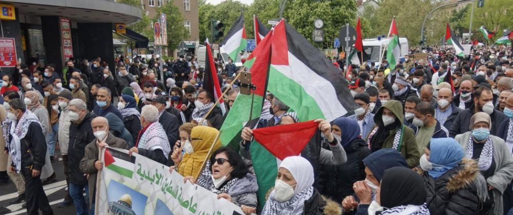 Demonstration unter dem Motto Freiheit für Palästina in Neukölln mit Start am Kottbusser Tor zur Solidarität mit Paläst