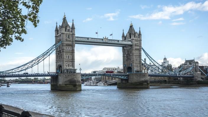 tower bridge,london,themse *** tower bridge,london,thames river fu3-jn6