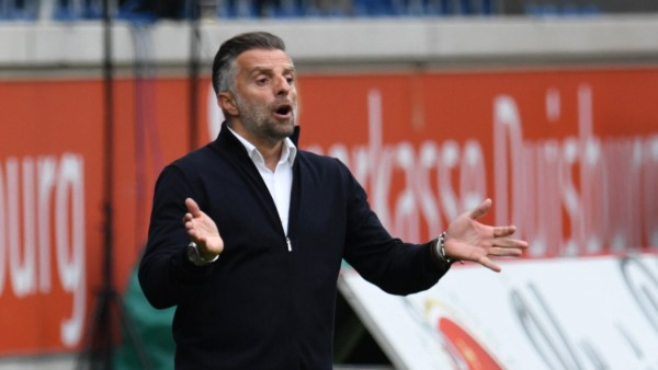 Trainer Tomas Oral ( FC Ingolstadt 04 ) leicht ratlos. 15.05.2021, Fussball, 3. Liga, MSV Duisburg vs FC Ingolstadt 04 D