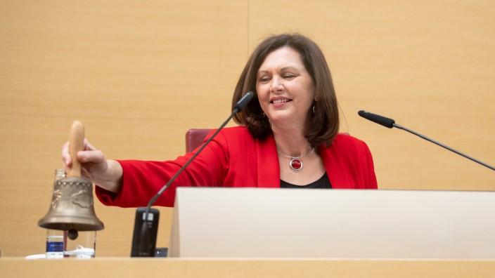 Bayerischer Landtag berät verlängerten Corona-Lockdown