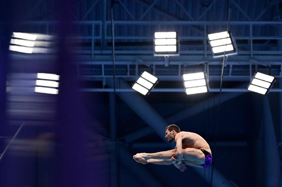 Aleksandr Bondar beim Wasserspringen der Schwimmeuropameisterschaften 2021 in Budapest.