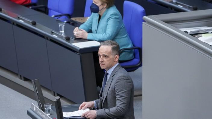 229. Bundestagssitzung und Debatte Aktuell, 19.05.2021, Berlin, Heiko Maas der Aussenminister (Bundesminister des Auswae