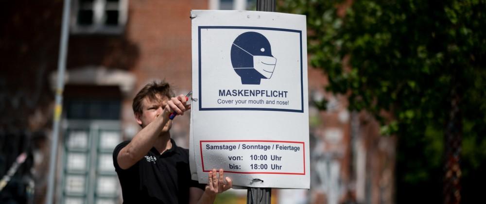 Maskenpflicht-Schilder werden abgehängt