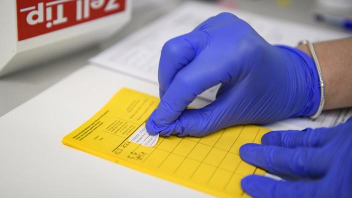Corona-Impfung bei Kindern - eine Risiko-Nutzen-Abwägung?