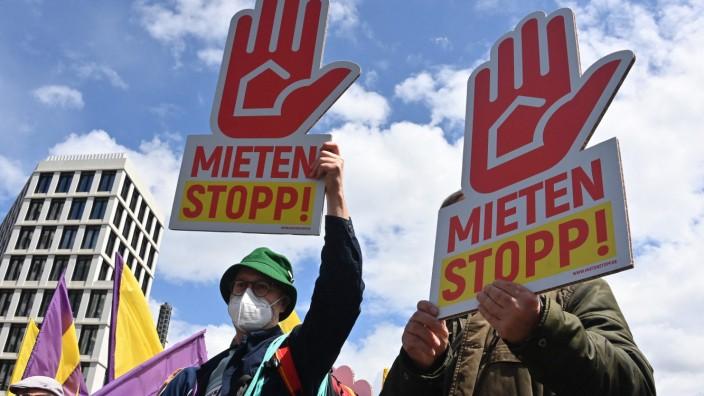 Wohnungsmarkt in Berlin: Erst am Wochenende gab es in Berlin wieder Proteste gegen steigende Mieten.
