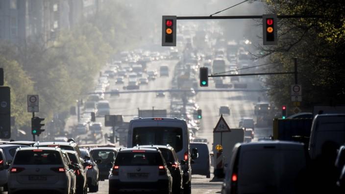 Verkehr in Deutschland: Morgendlicher Berufsverkehr in Berlin