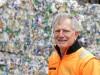 Betriebsleiter Geord Hadersdorfer überwacht die Vorgänge in der Abfallsortieranlage und sieht sofort, wenn etwas nicht stimmt.