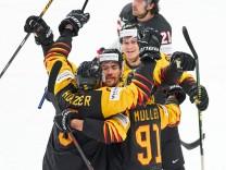 Korbinian HOLZER 5 of Germany celebrates his goal, happy, laugh, celebration, 3-1 GERMANY - CANADA IIHF Ice hockey, Eis