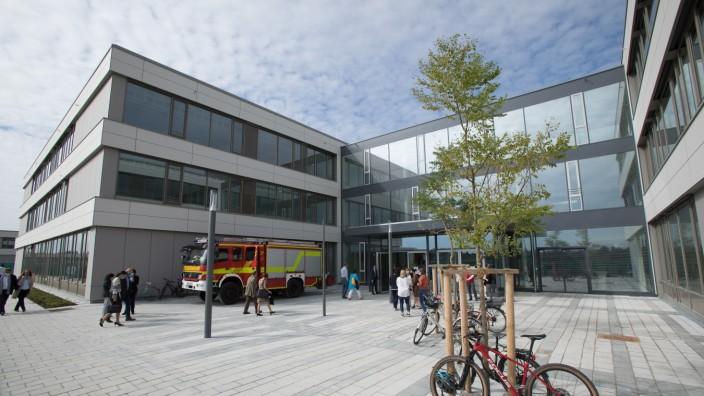Auch das Gymnasium Unterföhring erreicht viele Anmeldungen aus München.
