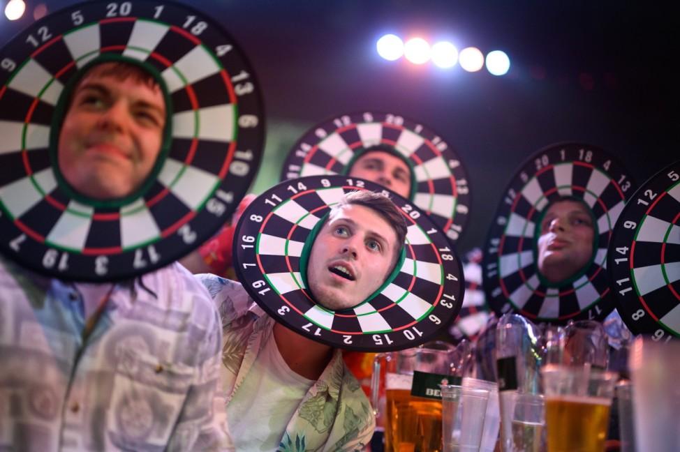BESTPIX - Crowds Return To Televised Darts Championships