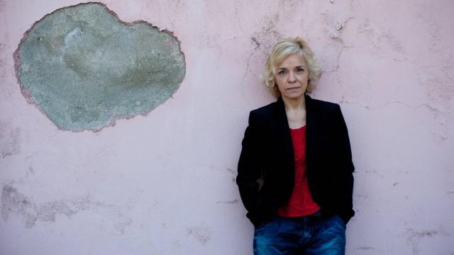 """""""Die Rückkehr"""" von Dulce Maria Cardoso: Die Schriftstellerin Dulce Maria Cardoso ist 1964 in Portugal geboren und verbrachte ihre Kindheit in Angola."""
