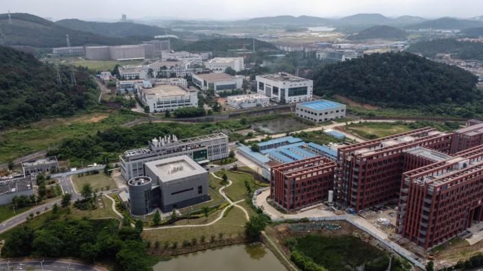 Mehrere Mitarbeiter des Instituts für Virologie in Wuhan sollen im Herbst 2019 erkrankt sein. Dass es Covid-19 war, ist allerdings nur eine These.