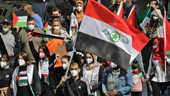 Pro Palästina gegen Israel gerichtete Demonstration in Berlin Neukölln am 15.5.2021 Pro Palästina gegen Israel gerichte