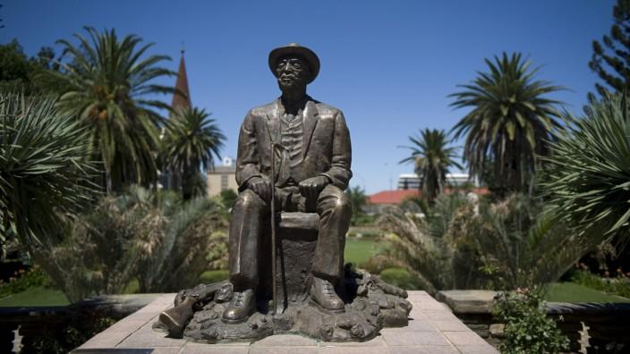 Völkermord in Namibia an Herero und Nama: Denkmal von Herero-Anführer Hosea Kutako in Windhoek