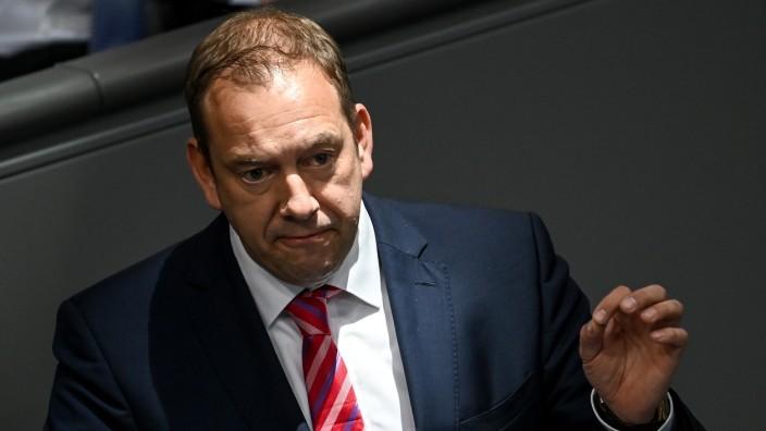 """Henning Otte, verteidigungspolitischer Sprecher der Union, kritisiert das Kräfteverhältnis im Osten als """"hochgradig zu Ungunsten der Nato-Staaten""""."""