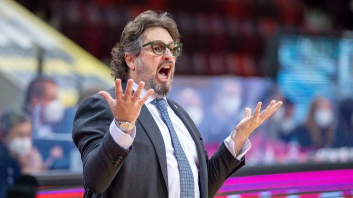 Andrea Trinchieri, Headcoach (FC Bayern), MHP Riesen Ludwigsburg vs. FC Bayern Basketball, Basketball, Bundesliga, Playo