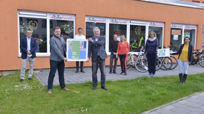"""wei Orte, ein Einkauf â€"""" Schaufenster-Aktion in Eichenau und Puchheim war ein voller Erfolg"""