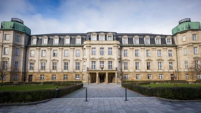 Bundesfinanzhof verhandelt ¸ber Rentenbesteuerung