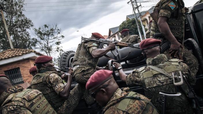 Soldaten der Demokratischen Republik Kongo übernehmen die Kontrolle in der Provinz Nordkivu