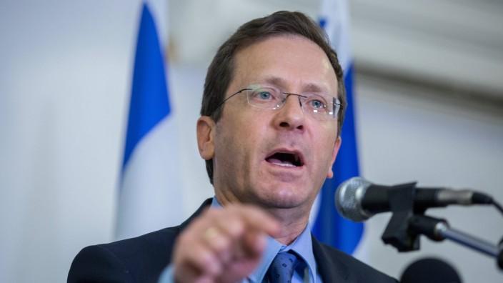 Jitzchak Herzog PK in Jerusalem JERUSALEM May 18 2016 Israel s opposition leader Isaac Herzog a