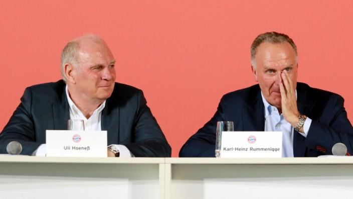 Fussball Pressekonferenz FC Bayern Nachwuchsleistungszentrum 17 05 2017 Präsident Uli Hoeneß