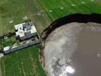 Mexiko: Riesiger Krater gibt Rätsel auf