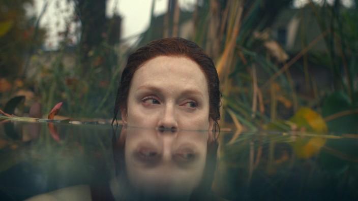 "Serie ""Lisey's Story"": Unter der Oberfläche lauert das Grauen: Julianne Moore in ""Lisey's Story""."