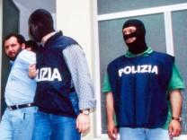 capture of Giovanni Brusca, mafioso and Italian justice collaborator, 20 May 1996 972_05_W725019