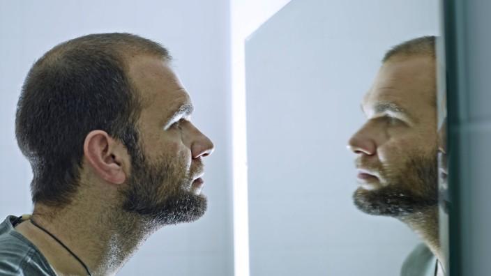 Psychologie: Der Better-than-average-Effekt beschreibt, dass sich Menschen in vielen Eigenschaften als überdurchschnittlich begabt betrachten.