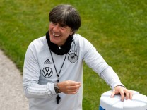 Jogi Loew gut gelaunt GER, die deutsche Nationalmannschaft im Trainingslager in Seefeld Tirol, Oesterreich, 05.06.2021,